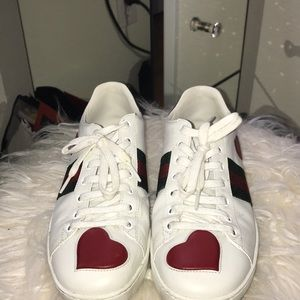 Authentic Women's Gucci Sneakers Sz 9